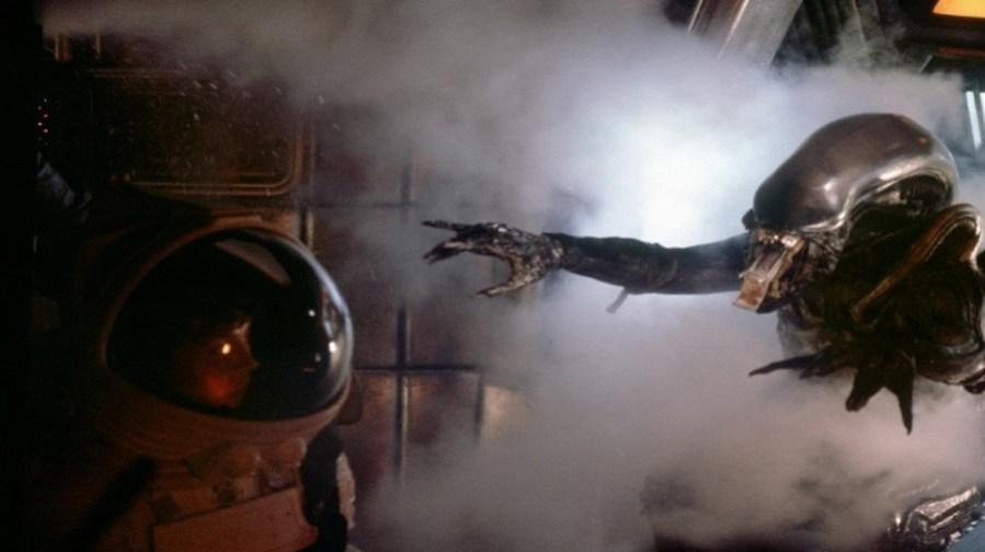 alien-1979-ridley-scott-sigourney-weaver-xenomorph-walter-hill