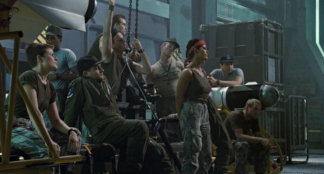 aliens-movie-review-1986-bill-paxton-michael-biehn-jenette-goldstein.jpg